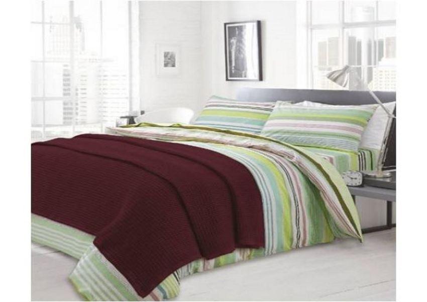 blanket_burgundy_image_01